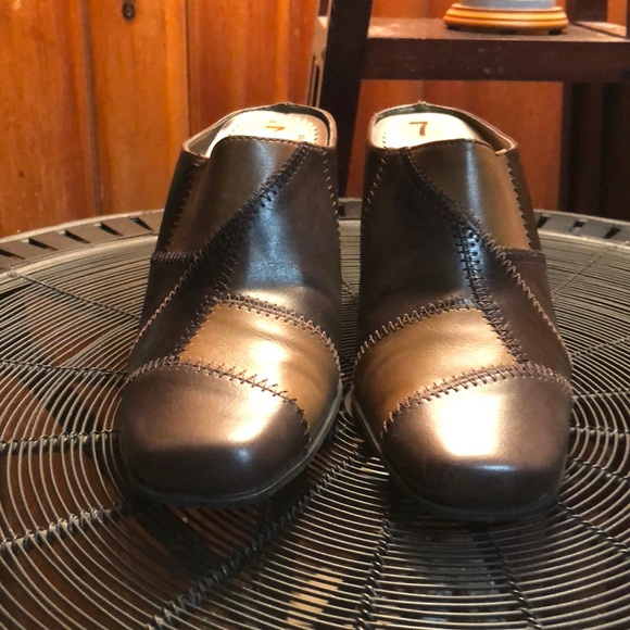 Rialto Womens Size 7 Brown Patched Mules Brand New